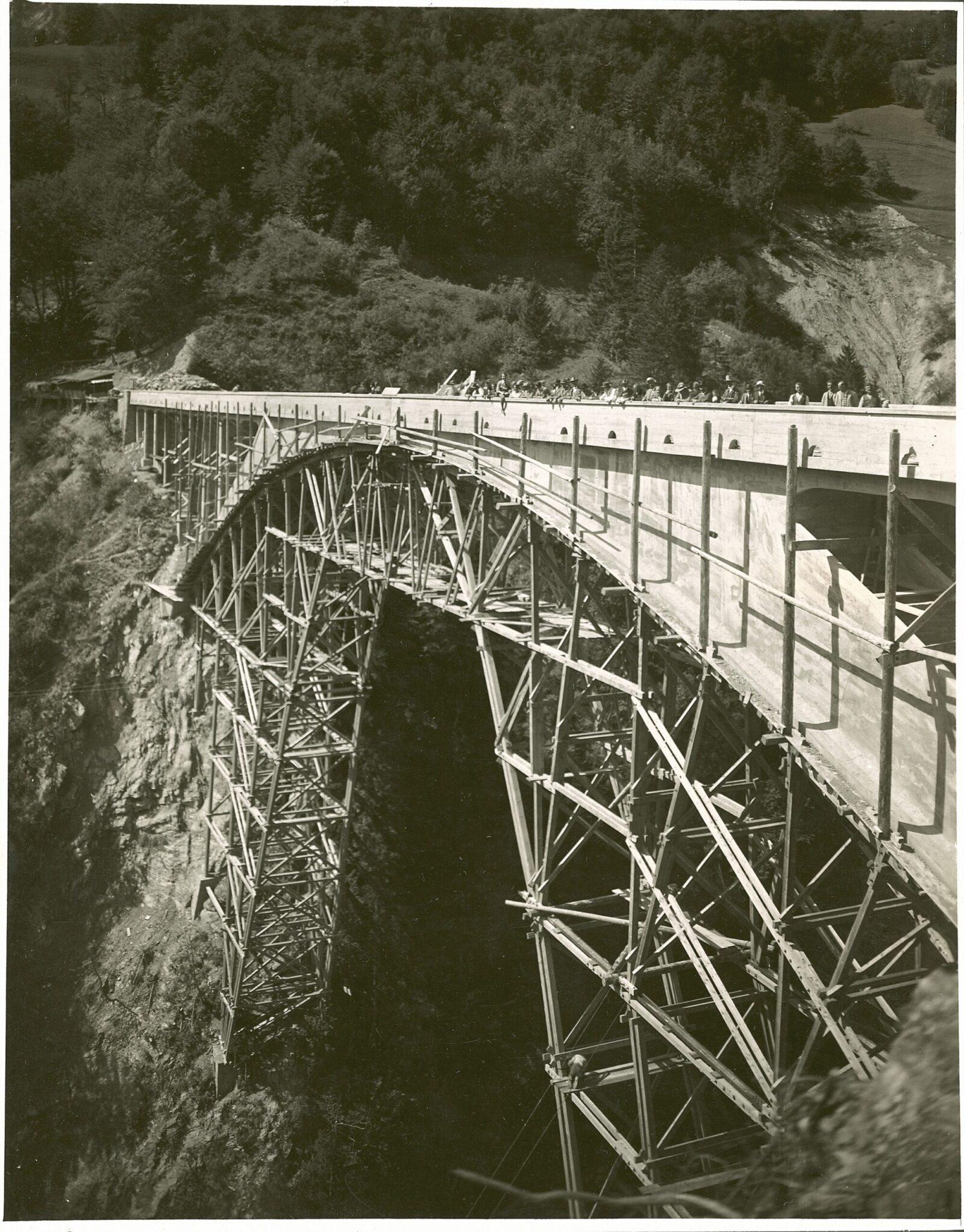 Falsework Salginatobel Bridge (Salginatobelbrücke), 1930.